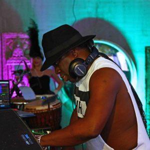 DJ en Live Video Act - Nu te boeken bij L.A.-DJ's