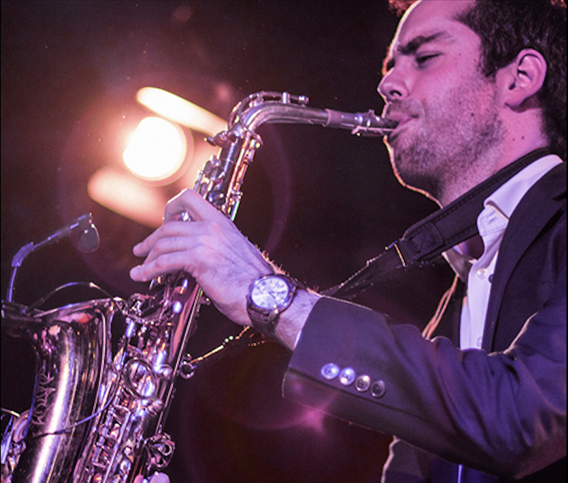 Saxofonist Chris Brown, te boeken bij L.A.-DJ's te Utrecht
